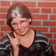 Lieschen: Oma muß überall dabei sein und heißt eigentlich <b>Angela Quast</b> - page4-1004-thumb